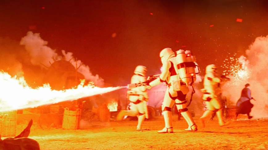 Force-Awakens-Stormtroopers-Flamethrowers