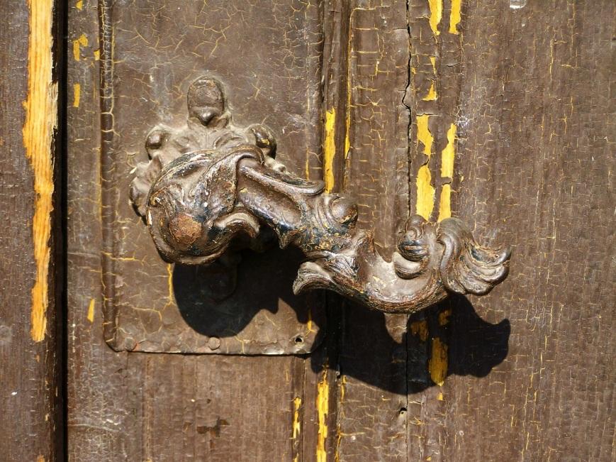 old-doorknob-1645149_1920